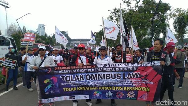 Pemerintah : Omnibus Tak Hapus Cuti Haid atau Cuti Hamil Buruh